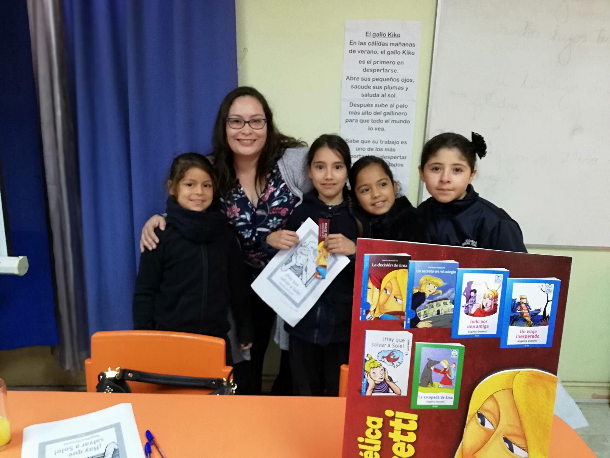 Regiones de Coquimbo y O'Higgins recibieron a autora Angelica Dossetti
