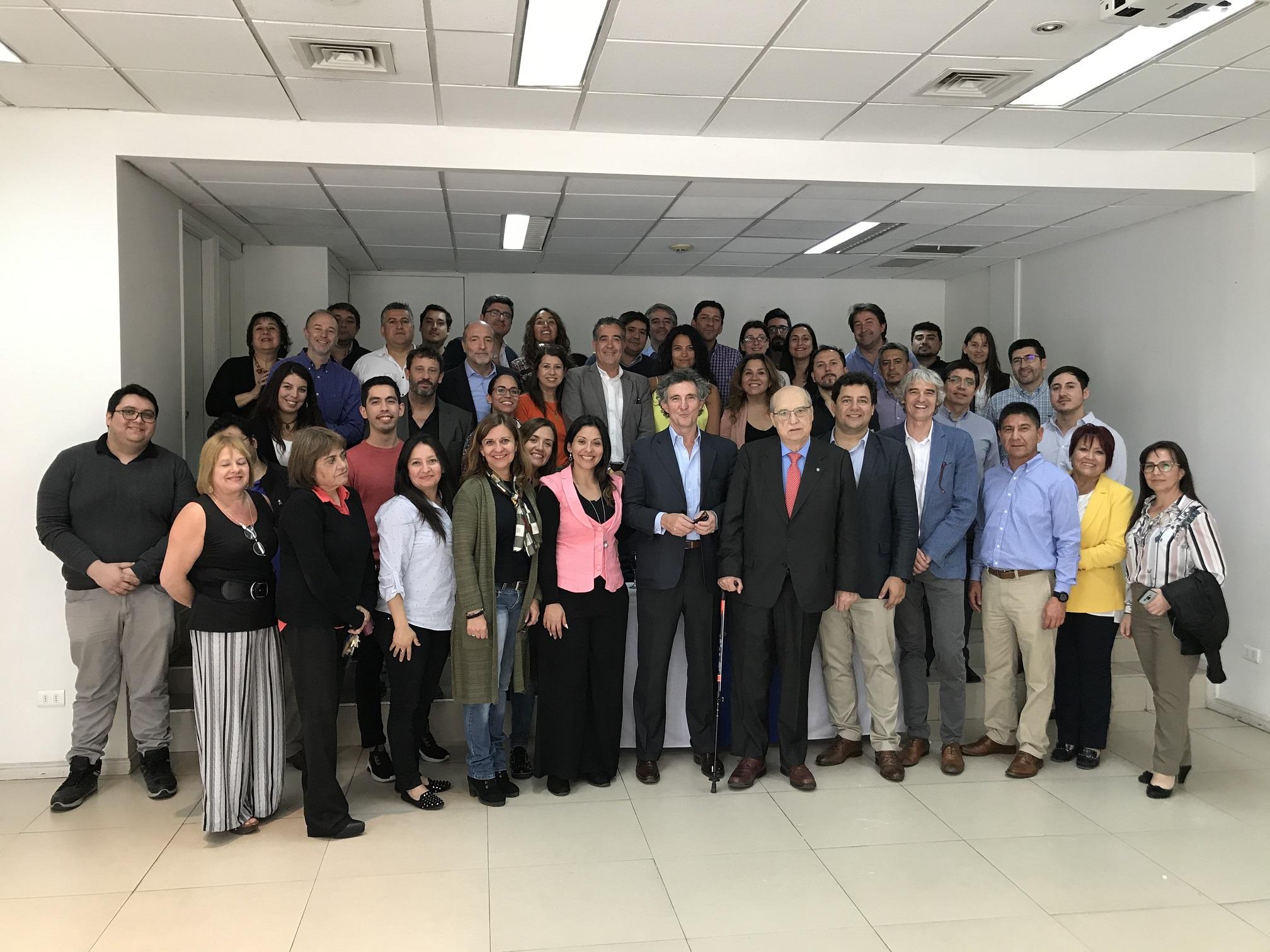 Reconocimiento a Ernesto Corona, presidente del Directorio de Zig-Zag